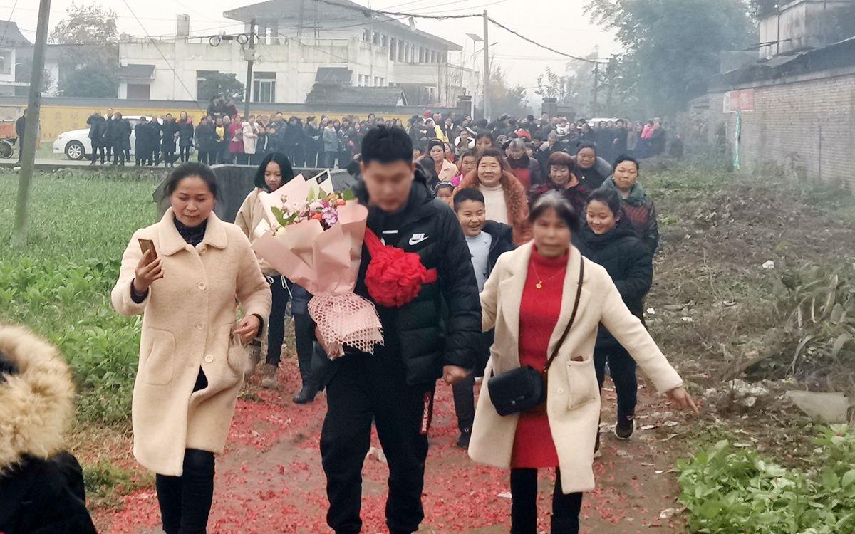 3岁男童被拐28年 四川什邡警方助力回乡认亲