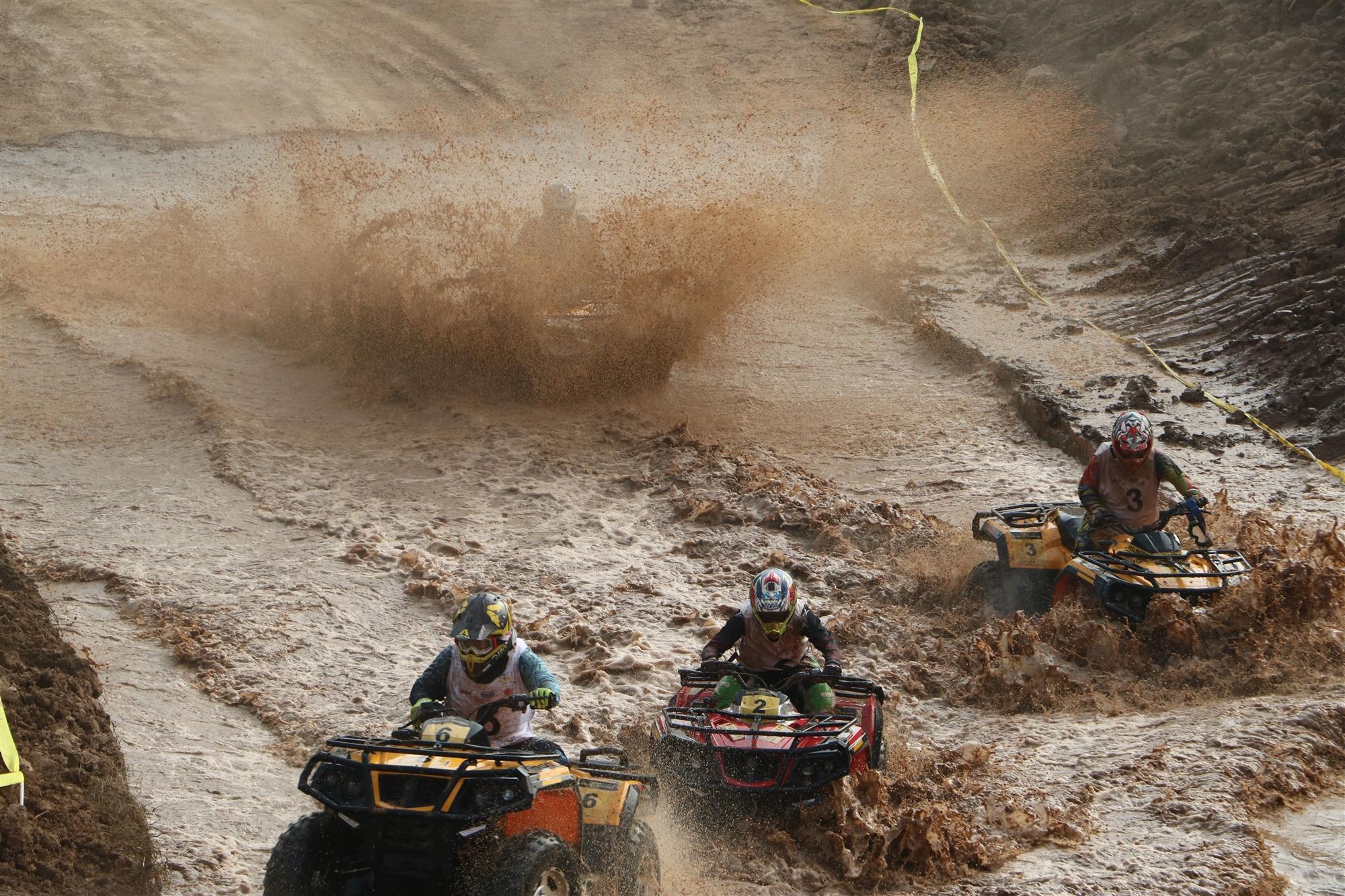 速度与激情!2018中国全地形车锦标赛罗江站赛场精彩瞬间